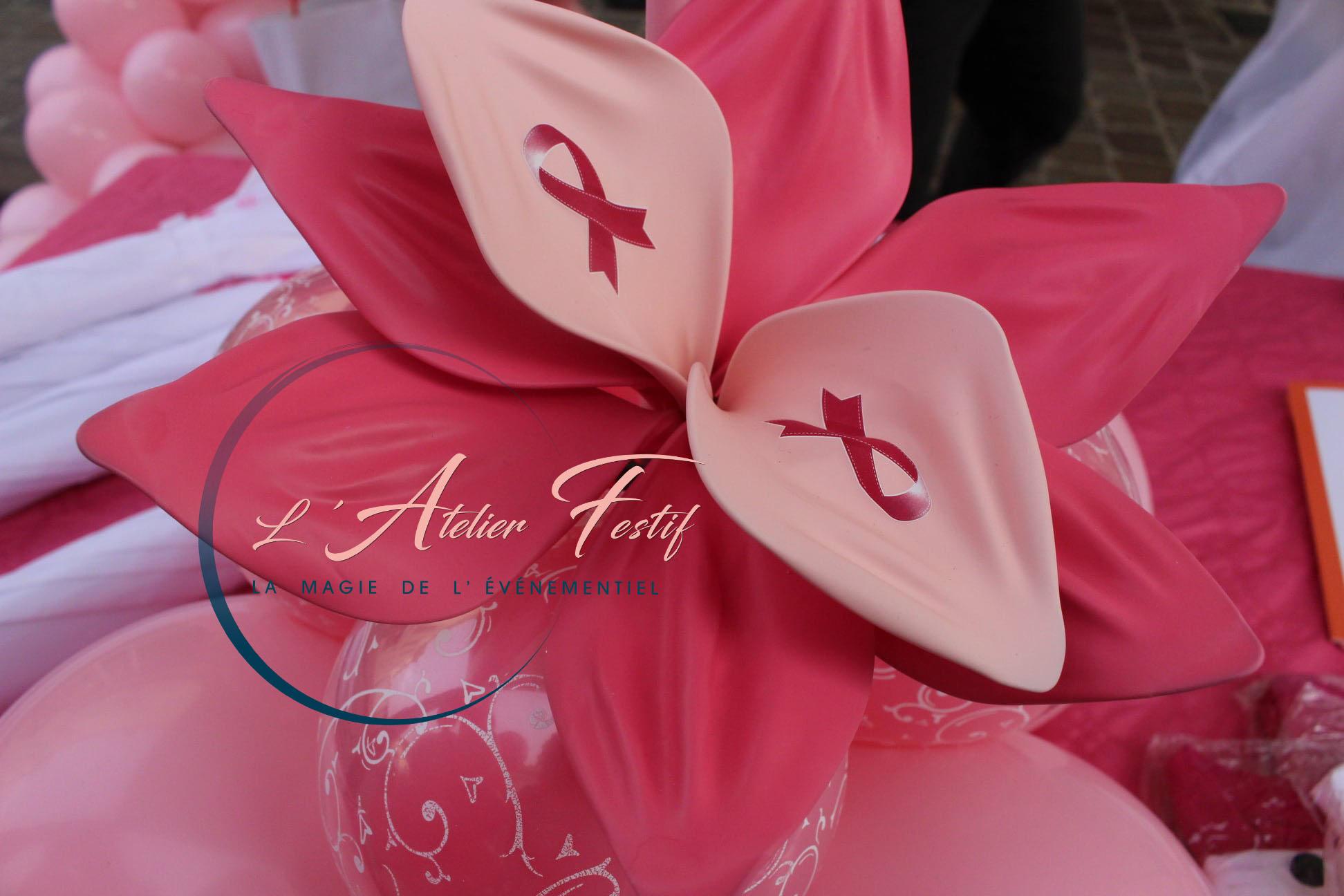 bouquet de fleurs en ballons tendus octobre rose